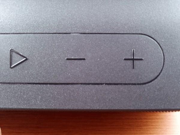 Tribit XSound Goの音量調整ボタン