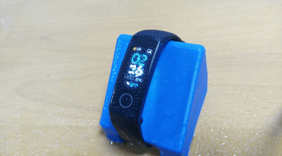 水に濡れたHuawei Honor Band 4