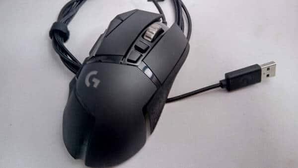 Logicool G502 Heroは有線マウス