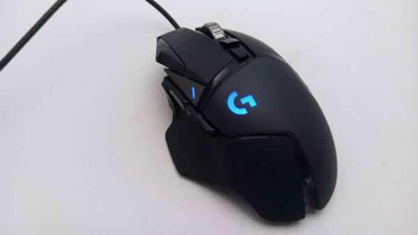 Logicool G502 Heroのロゴが青く光る